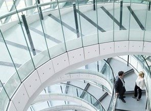 Desayuno de trabajo – Normas y reglas de contratación pública para un nuevo período digital
